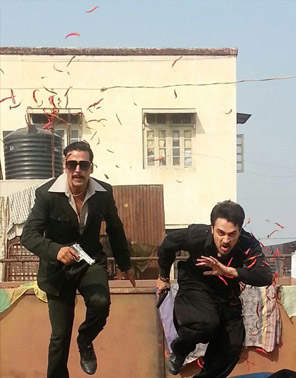 Akshay Kumar and Imran Khan on the sets of Once Upon A Time In Mumbaai 2