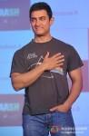 Aamir Khan meets winners of Microsoft-Talaash contest Pic 2