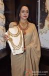 Hema Malini Inaugurates Malabar Gold & Diamonds Showroom Pic 3