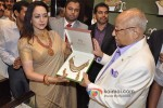 Hema Malini Inaugurates Malabar Gold & Diamonds Showroom Pic 4