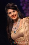 Jacqueline Fernandez Walk The Ramp at IIJW 2013 Pic 2