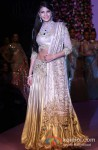 Jacqueline Fernandez Walk The Ramp at IIJW 2013 Pic 1