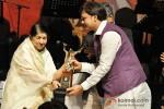 Lata Mangeshkar At Master Dinanath Mangeshkar Award ceremony 2013 Pic 2