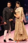 Madhur Bhandarkar And Jacqueline Fernandez Walk The Ramp at IIJW 2013