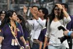 Shah Rukh Khan And Deepika Paduone at IPL Match - KKR vs Delhi Daredevils Pic 2