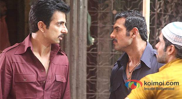Sonu Sood, John Abraham And Tusshar Kapoor in Shootout At Wadala Movie Stills