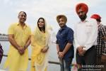 Veena Malik snapped at Gurudwara Pic 4