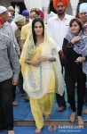 Veena Malik snapped at Gurudwara Pic 3