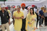 Veena Malik snapped at Gurudwara Pic 11
