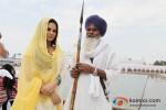 Veena Malik snapped at Gurudwara Pic 8