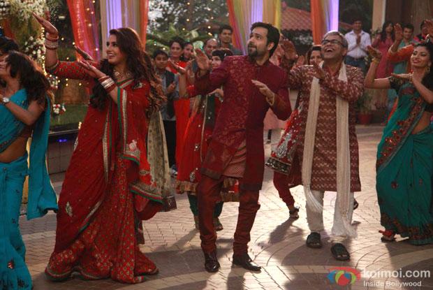 Huma Qureshi and Emraan Hashmi in Totey Ud Gaye song in Ek Thi Daayan Movie Stills