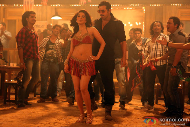 Sophie Choudry and John Abraham in a still from Ala Re Ala Song from Shootout At Wadala Movie