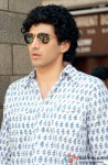 Aditya Roy Kapur looks hot in Aviator Shades!