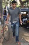 Aditya Roy Kapur snapped at Bandra Pic 3