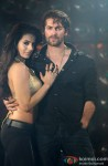 Ameesha Patel and Neil Nitin Mukesh in Shortcut Romeo Movie Stills Pic 1