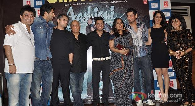Bhushan Kumar, Mohit Suri, Shraddha Kapoor, Aditya Roy Kapur and Mahesh Bhatt at 'Aashiqui 2' Success Bash