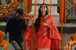Dhanush and Sonam Kapoor in Raanjhanaa Movie Stills Pic 4