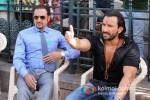 Gulshan Grover And Saif Ali Khan On the sets of Bullet Raja Pic 1