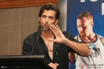 Hrithik Roshan unveils 'Guide To Your Best Body' Book Pic 2