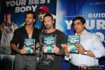 Hrithik Roshan unveils 'Guide To Your Best Body' Book Pic 4