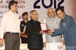Pranab Mukherjee giving award to Sujoy Ghosh