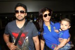Raj Kundra And Shilpa Shetty snapped at Domestic Airport Pic 2