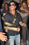 Shah Rukh Khan Discharged From Lilavati Hospital After Shoulder Surgery Pic 3