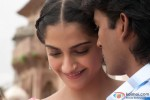 Sonam Kapoor and Dhanush in Raanjhanaa Movie Stills Pic 4