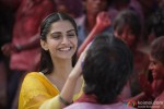 Sonam Kapoor and Dhanush in Raanjhanaa Movie Stills Pic 2