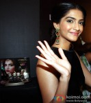 Sonam Kapoor launches L'Oreal Sunset Cannes collection Pic 2