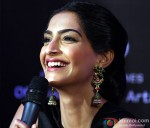 Sonam Kapoor launches L'Oreal Sunset Cannes collection Pic 3