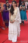 Sonam Kapoor launches film 'Raanjhanaa' Pic 1