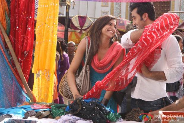 Deepika Padukone and Ranbir Kapoor in a still from Yeh Jawaani Hai Deewani Movie