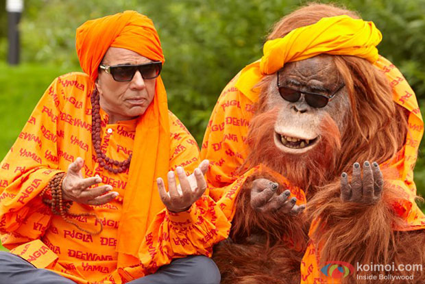 Dharmendra in a still from Yamla Pagla Deewana 2 Movie