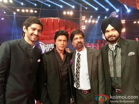 Shah Rukh Khan and Navjot Singh Sidhu on the sets of IPL 6