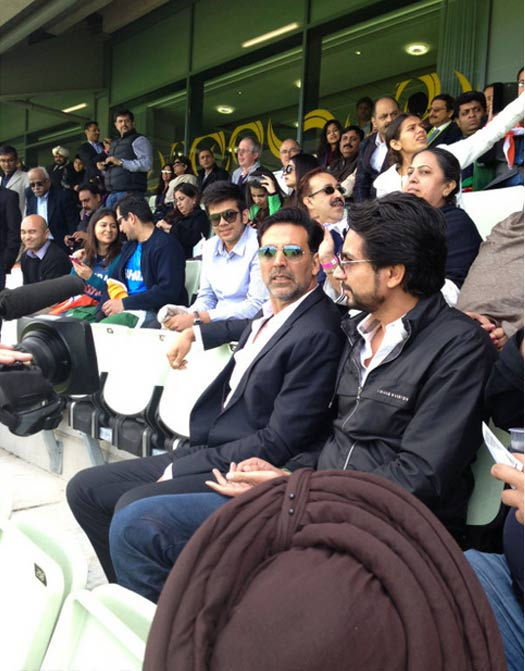 Akshay Kumar promotes Once Upon A Time In Mumbaai Again at India-Pakistan ICC Match