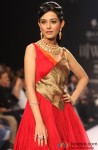 Amrita Rao walks the ramp at IIJW 2013