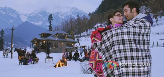 Deepika Padukohne And Ranbir Kapoor in Yeh Jawaani Hai Deewani Movie Stills