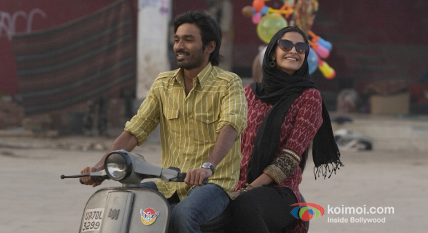 Dhanush And Sonam Kapoor in Raanjhnaa Movie Stills