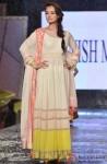 Dia Mirza at Manish Malhotra's show for CPAA