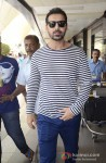 John Abraham at Mumbai Airport Pic 1