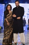 Manasi Joshi Roy and Rohit Roy at Shaina NC's fashion show for CPAA