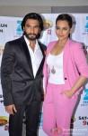 Ranveer Singh, Sonakshi Sinha promote 'Lootera' on 'DID Super Moms' Pic 2