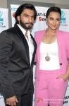 Ranveer Singh, Sonakshi Sinha promote 'Lootera' on 'DID Super Moms' Pic 3