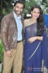 Ranveer Singh And Sonakshi Sinha promote Lootera on the sets of Uttaran