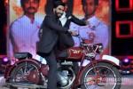 Ranveer Singh Promotes Lootera On Master Chef Season 3 Grand Finale Pic 2