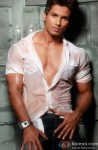 Shahid Kapoor looks Suave