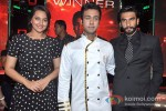 Sonakshi Sinha And Ranveer Singh Promote Lootera On Master Chef Season 3 Grand Finale Pic 1