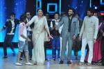 Sonakshi Sinha, Ranveer Singh And Ritesh Deshmukh Promote Lootera on India's Dancing Superstar