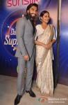 Ranveer Singh And Sonakshi Sinha Promote Lootera on India's Dancing Superstar